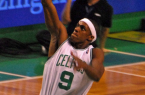 Rajon Rondo should trade in his green and white jersey for a purple and gold one. By Rondo_Dunks.jpg: Eric Kilby derivative work: El cestofilo (This file was derived from:  Rondo_Dunks.jpg) [CC-BY-SA-2.0 (http://creativecommons.org/licenses/by-sa/2.0)], via Wikimedia Commons