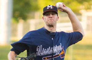 Alex_Wood_pitching_for_the_Mississippi_Braves_in_2013 2